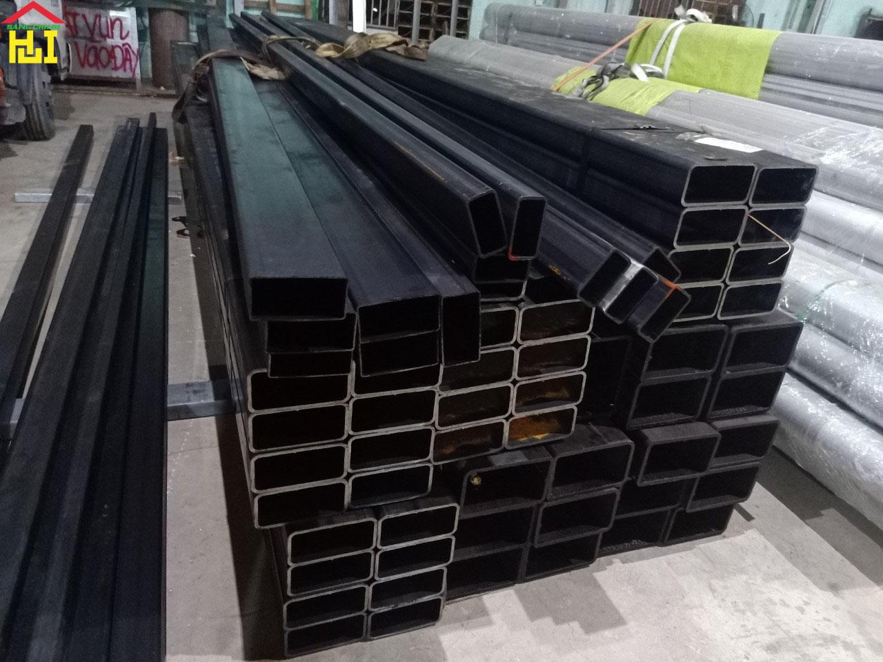 Thép hộp chữ nhật đen 200×400